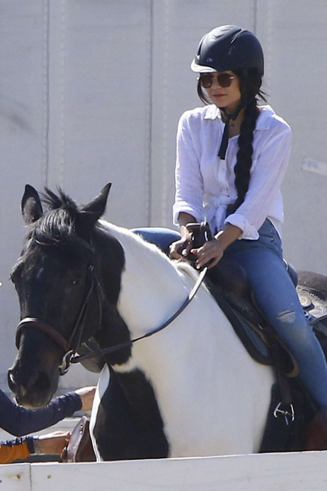 Vanessa Hudgens - Heads out to learn how to ride a horse in LA