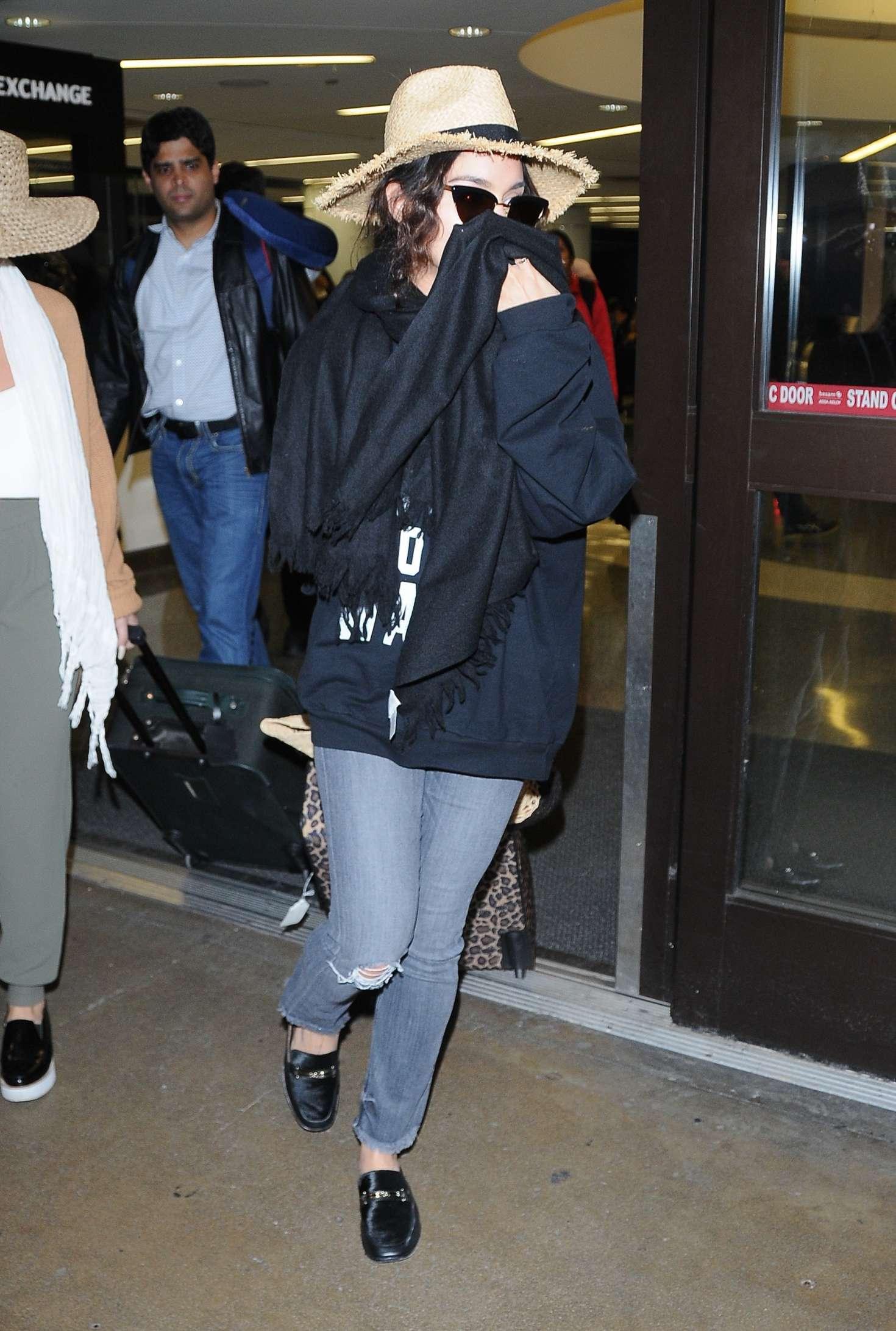 Vanessa Hudgens 2017 : Vanessa Hudgens in Jeans at LAX airport -13