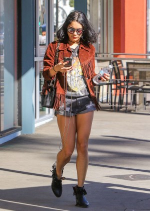 Vanessa Hudgens in Jeans Shorts -10