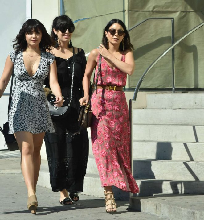 vanessa hudgens in summer dress 06 gotceleb