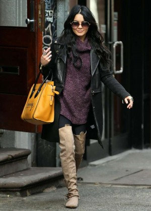 Vanessa Hudgens Leaves Breakfast in NYC