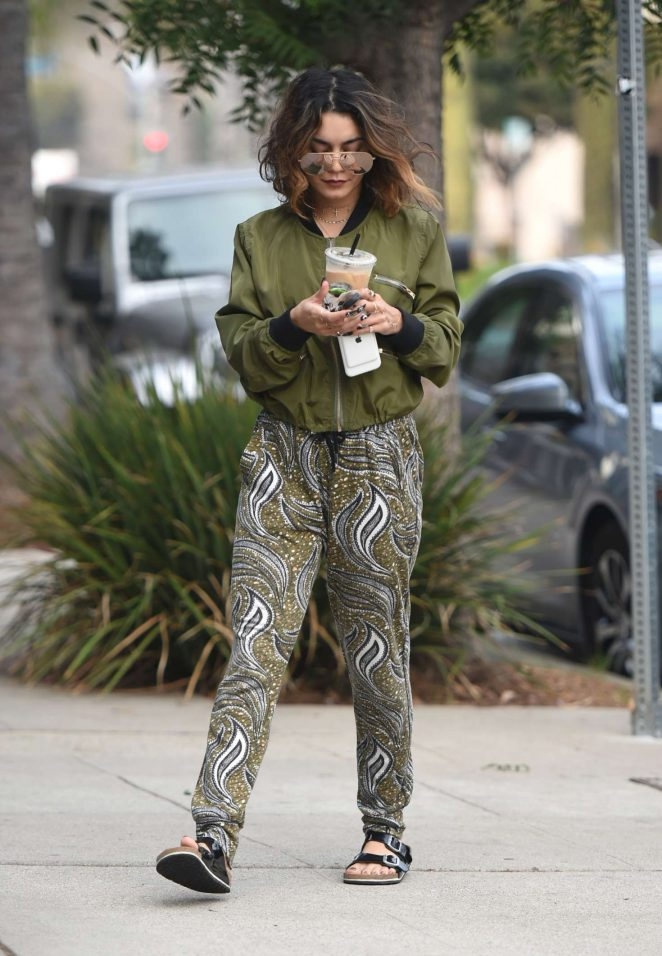 Vanessa Hudgens Leaves pilates in Los Angeles