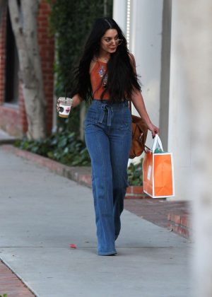 Vanessa Hudgens - Leaving a skin care clinic in West Hollywood