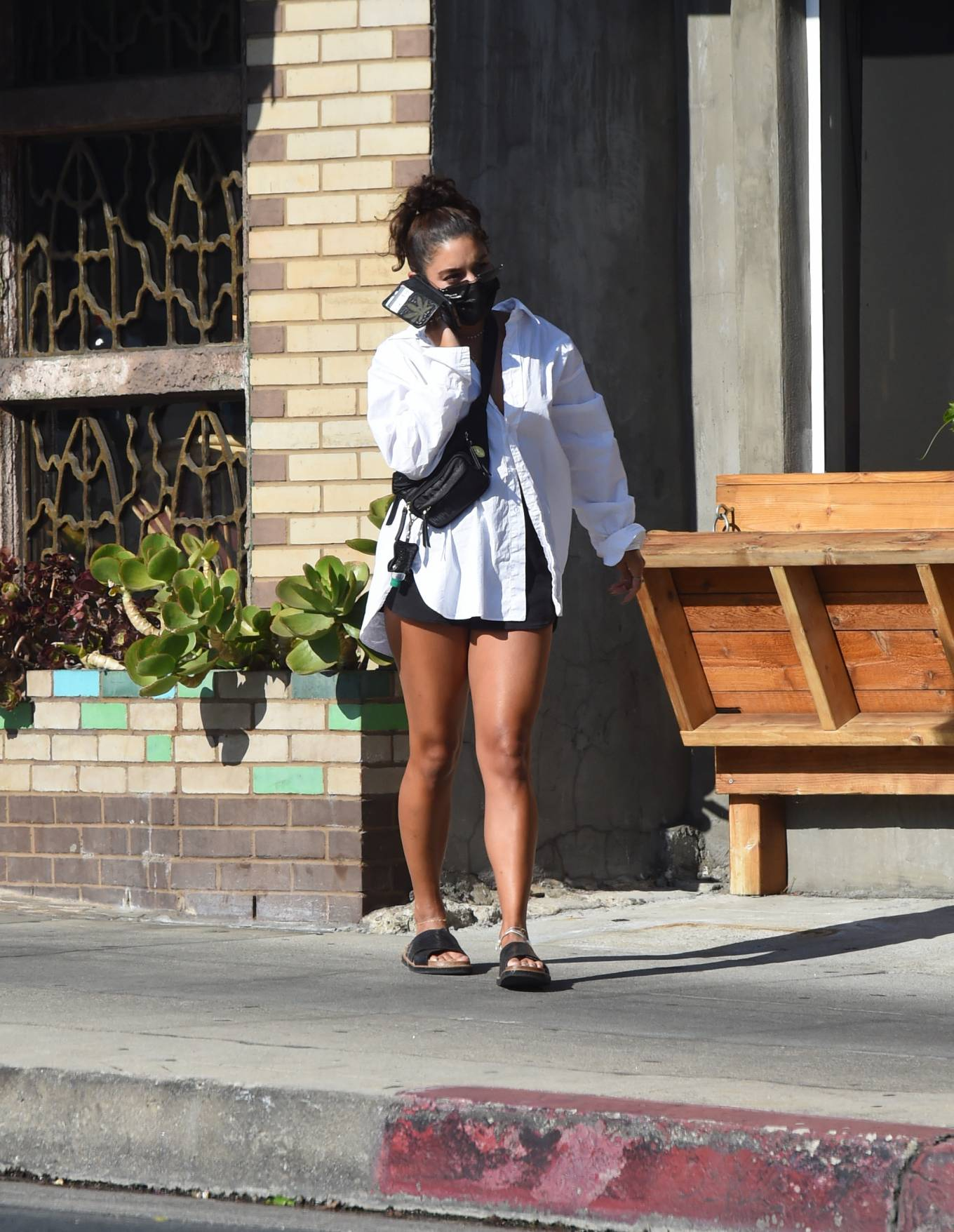 Vanessa Hudgens 2020 : Vanessa Hudgens – Out for a lunch in Los Angeles-01