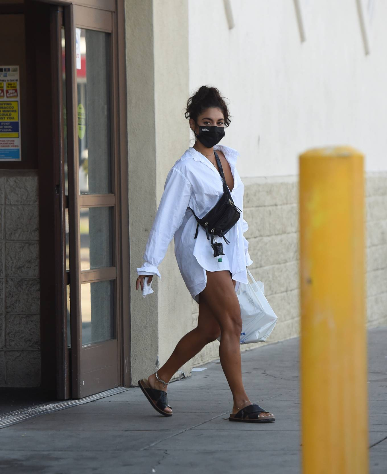 Vanessa Hudgens 2020 : Vanessa Hudgens – Out for a lunch in Los Angeles-06