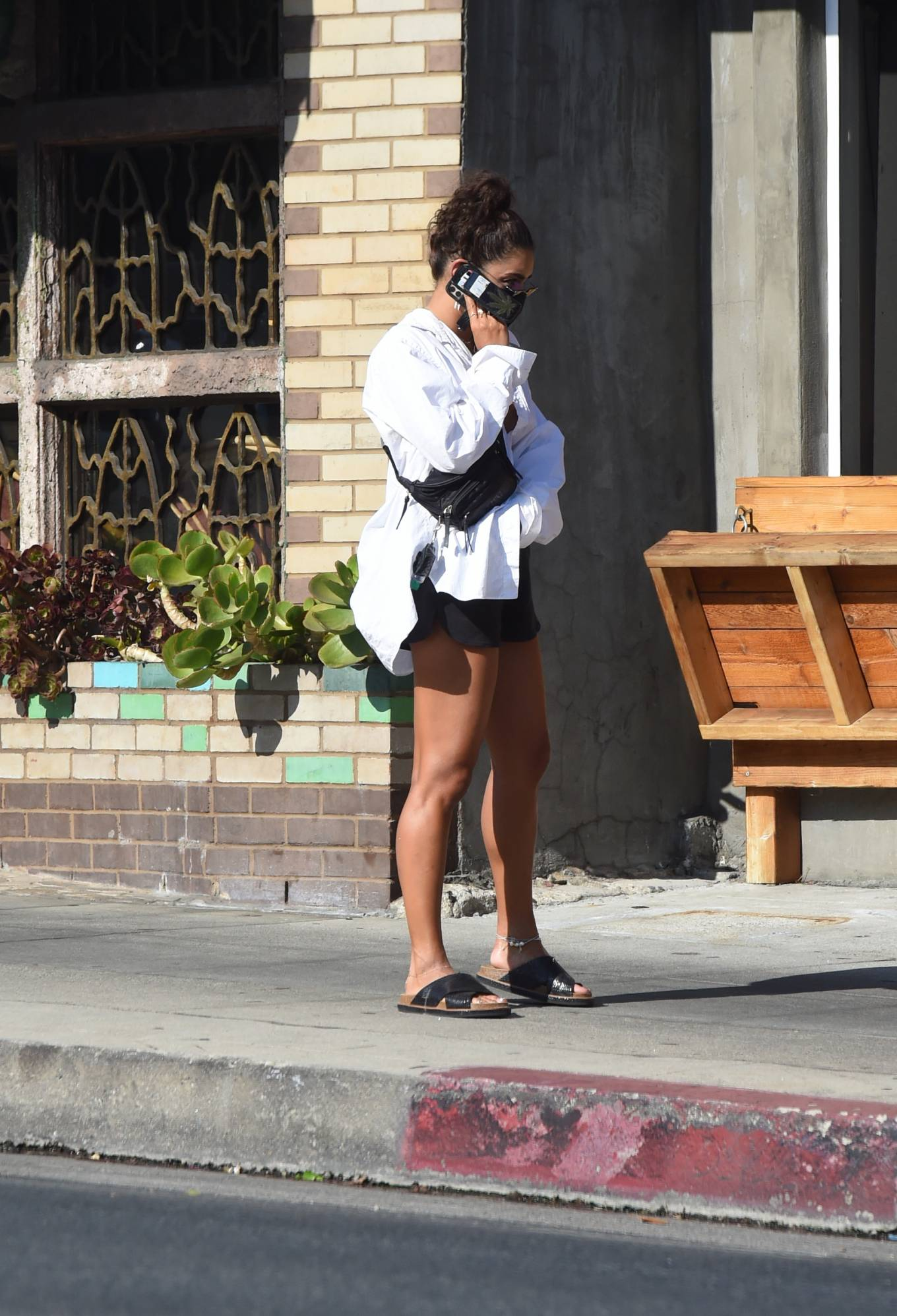 Vanessa Hudgens 2020 : Vanessa Hudgens – Out for a lunch in Los Angeles-14