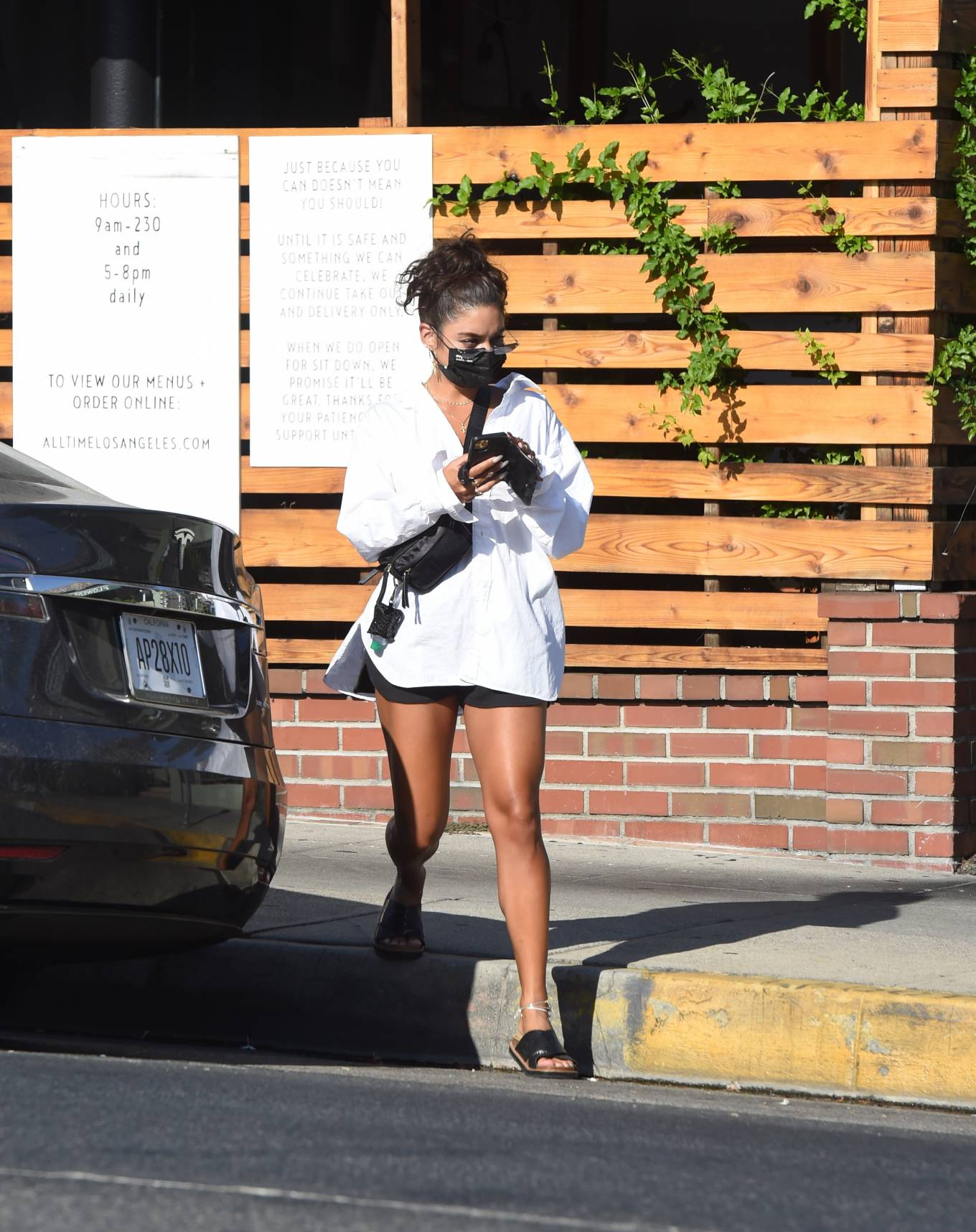 Vanessa Hudgens 2020 : Vanessa Hudgens – Out for a lunch in Los Angeles-20