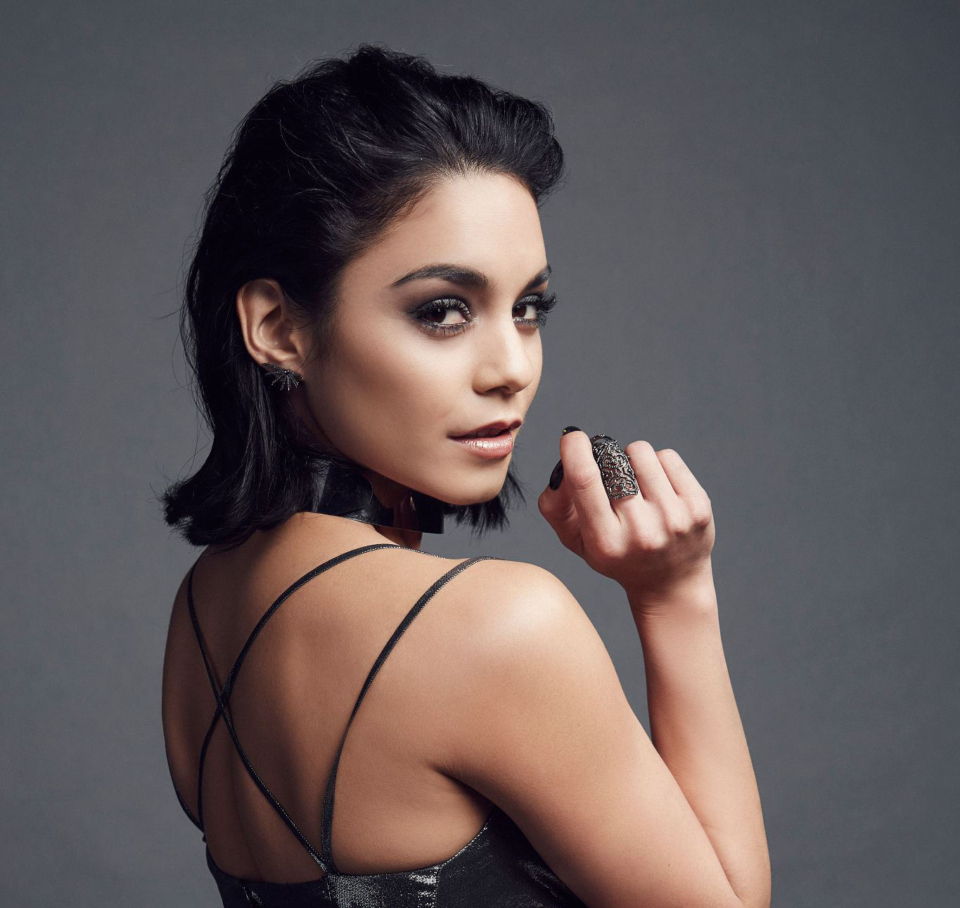 Vanessa Hudgens – People's Choice Awards Portrait Session ... Vanessa Hudgens