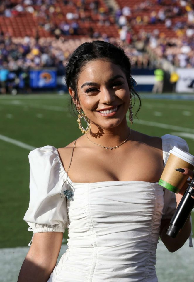 Vanessa Hudgens – Performs the National Anthem in Los Angeles