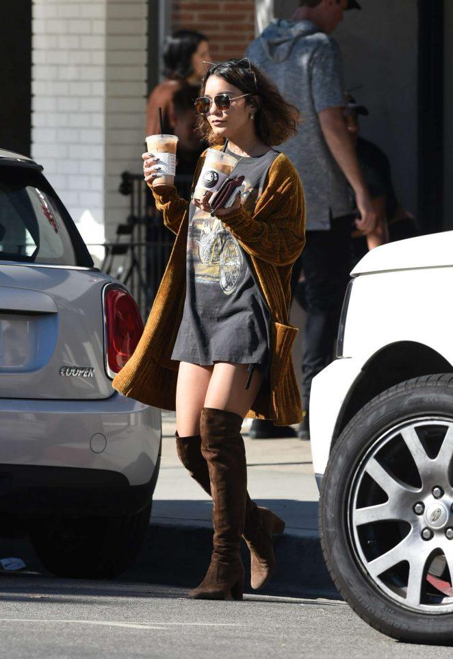 Vanessa Hudgens: Picks up Coffee Drinks -01