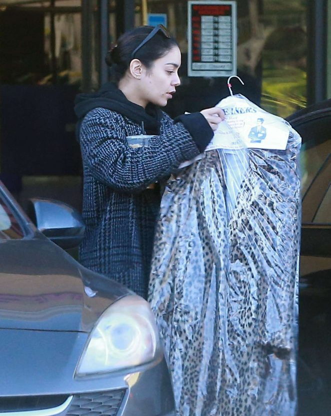 Vanessa Hudgens sat a dry cleaners in Studio City