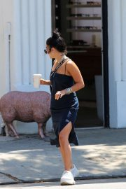 Vanessa Hudgens - Seen while feeds the parking meter in Los Angeles