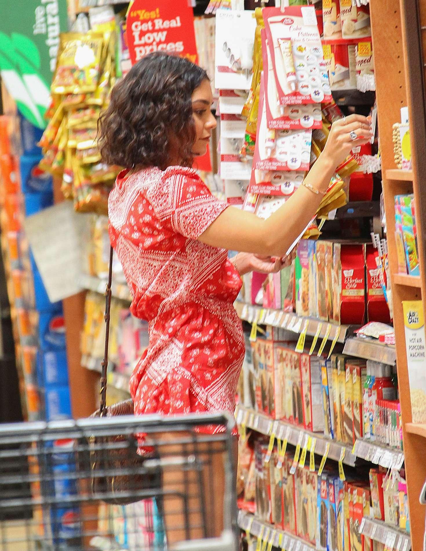 Vanessa Hudgens 2016 : Vanessa Hudgens: Shopping at Ralphs -01
