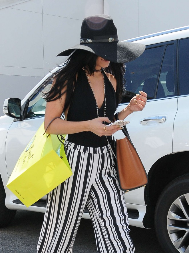 Vanessa Hudgens – Shopping in Beverly Hills