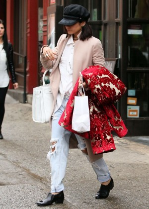 Vanessa Hudgens - Shopping in NYC