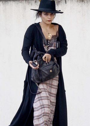 Vanessa Hudgens - Shopping in Studio City