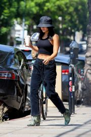 Vanessa Hudgens - Stops for a fresh coffee in Los Feliz