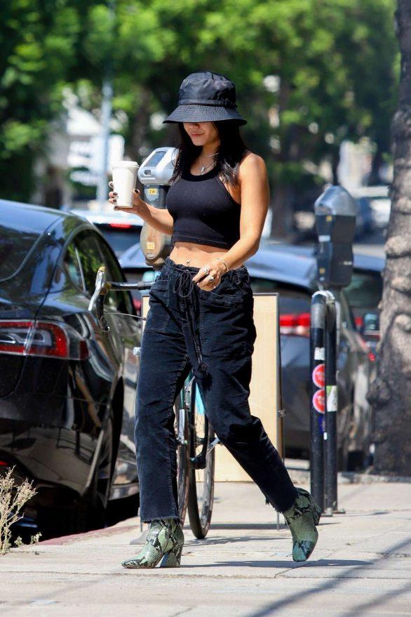 Vanessa Hudgens - Stops for a fresh coffee in Los Feliz