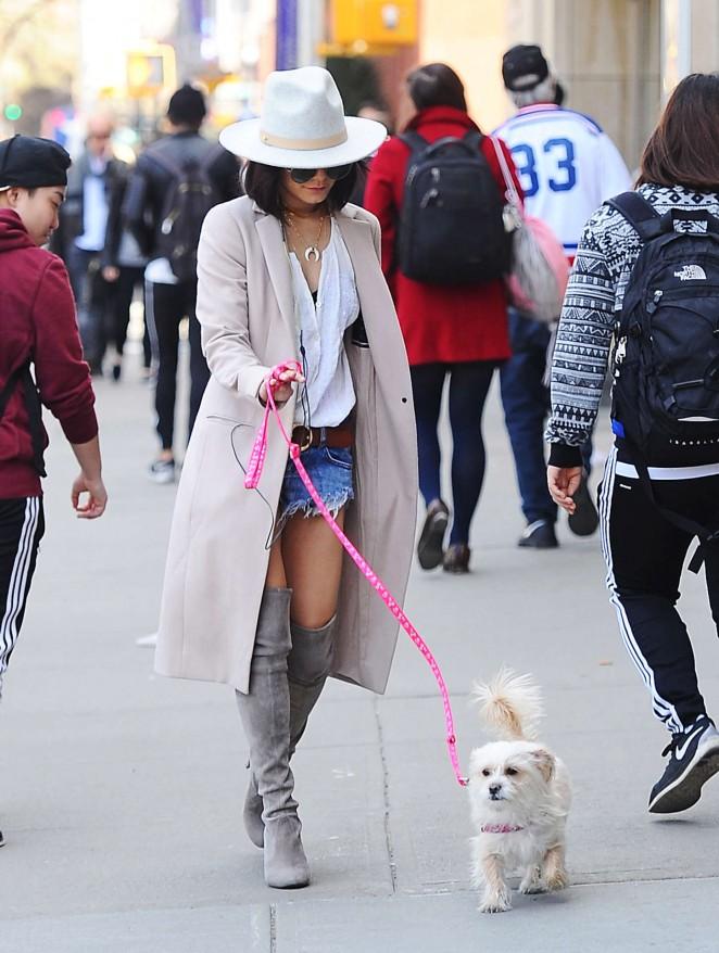Vanessa Hudgens 2015 : Vanessa Hudgens in Jeans Shorts -04
