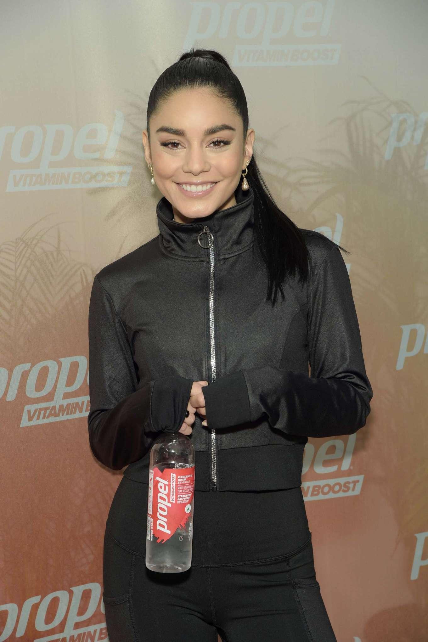 Vanessa Hudgens 2019 : Vanessa Hudgens: Works out with Propel Vitamin Boost -18