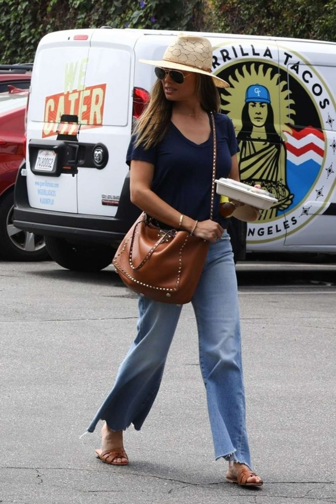 Vanessa Lachey in Jeans - Out in Los Angeles