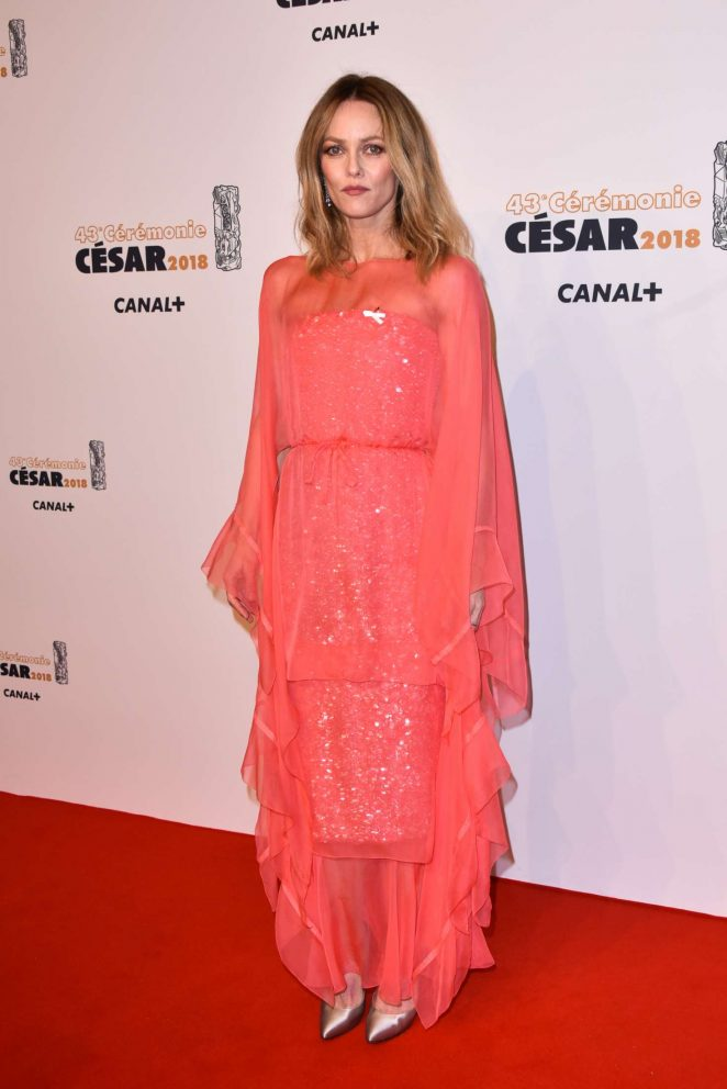 vanessa paradis 2018 cesar film awards 02 gotceleb. Black Bedroom Furniture Sets. Home Design Ideas