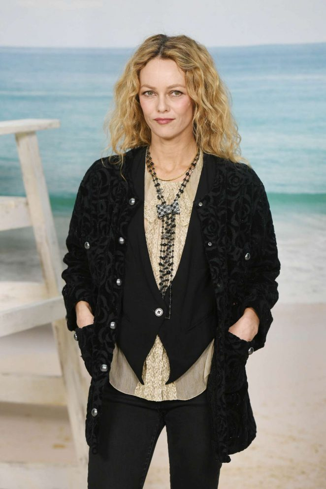 Vanessa Paradis – Chanel Fashion Show in Paris