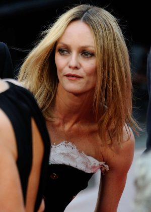 Vanessa Paradis: Closing Ceremony of the 2016 Cannes Film Festival -10