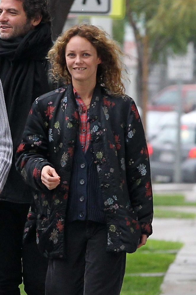 Vanessa Paradis out for lunch at Ed's coffee in Beverly Hills
