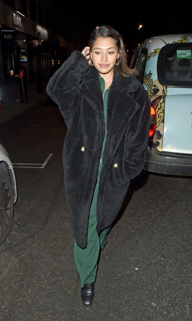 Vanessa White – Night out in London