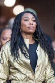 Venus Williams - On the field for pregame of Chicago Bears vs LA Rams in Los Angeles