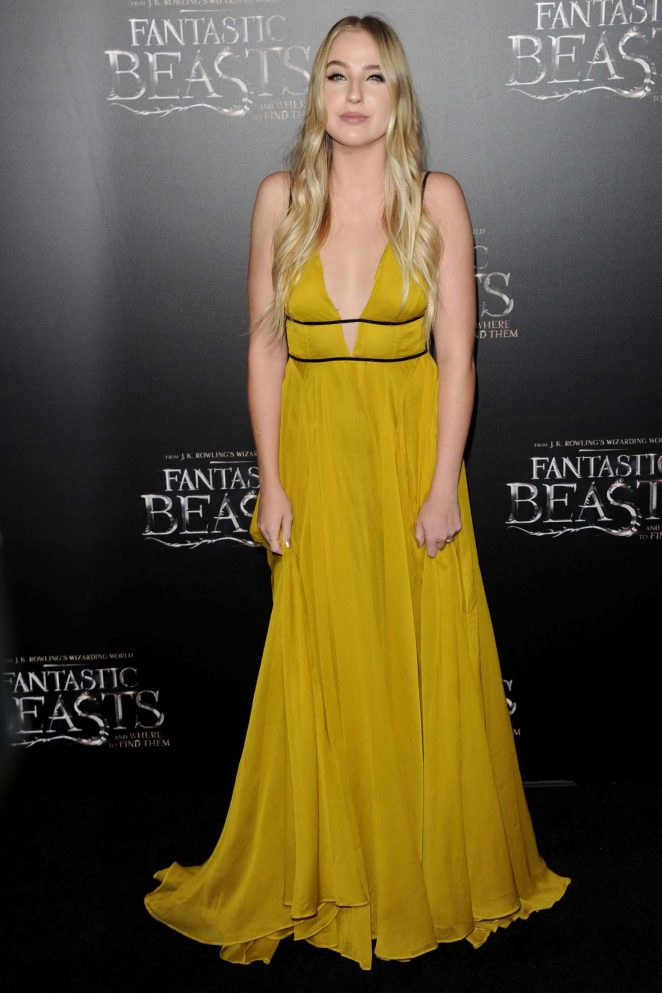Veronica Dunne: Fantastic Beasts and Where to Find Them Premiere -14