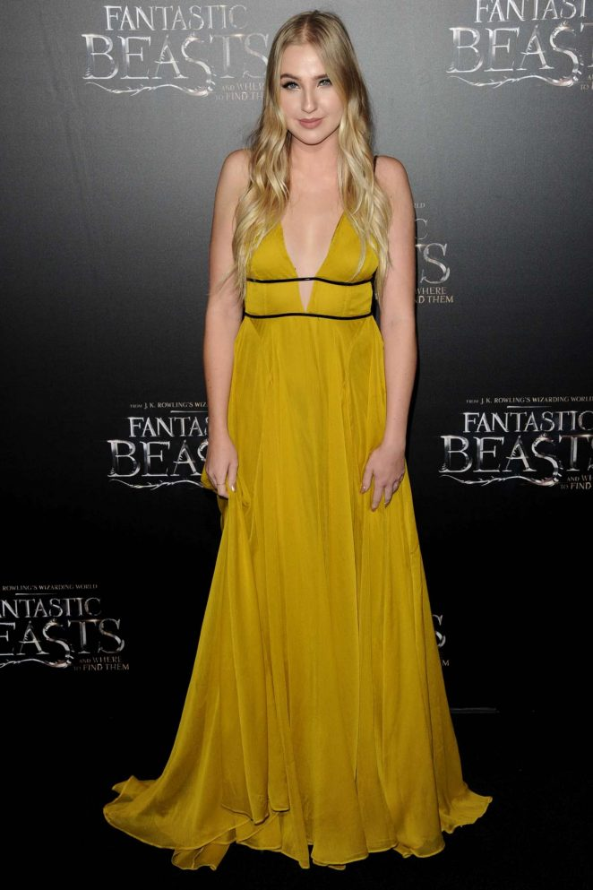 Veronica Dunne: Fantastic Beasts and Where to Find Them Premiere -17