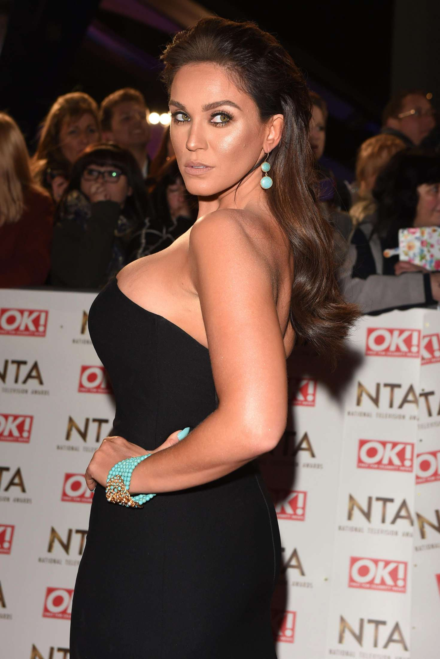 Vicky Pattison – 2017 National Television Awards in London   Vicky-Pattison:-2017-National-Television-Awards--01