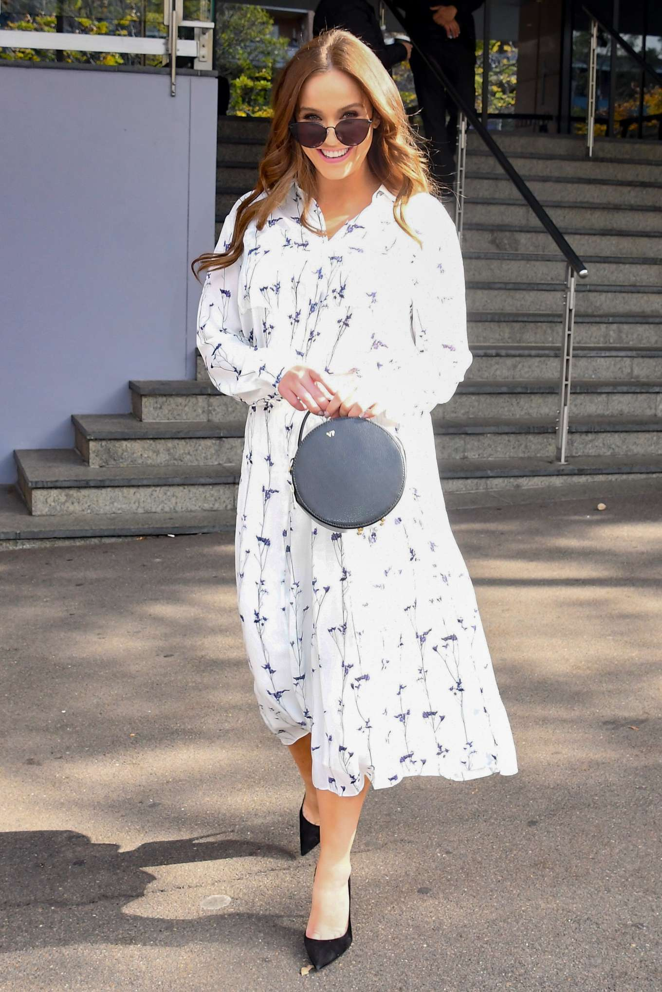 Vicky Pattison - Leaving the Channel 10 Studios in Sydney