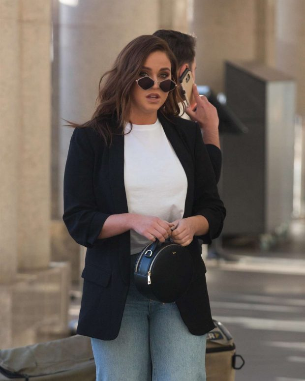 Vicky Pattison - Out and about in Sydney