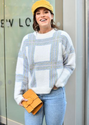 Vicky Pattison - Shopping on Oxford Street in London
