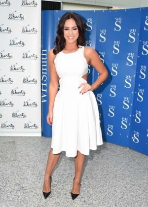 Vicky Pattison: A Christmas Kiss book signig-01