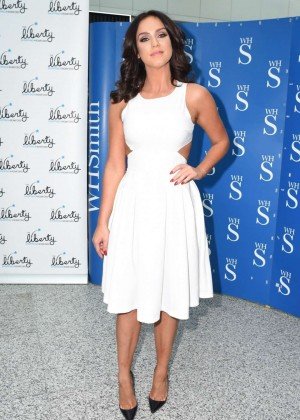 Vicky Pattison: A Christmas Kiss book signig-07