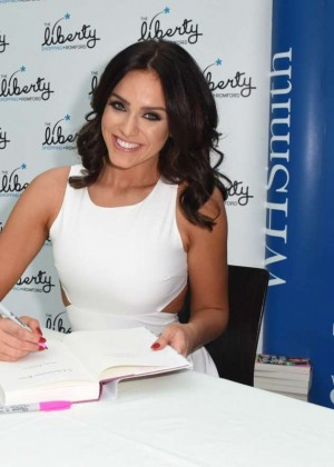Vicky Pattison: A Christmas Kiss book signig-09