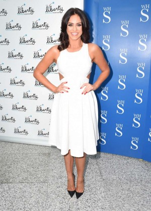 Vicky Pattison: A Christmas Kiss book signig-13
