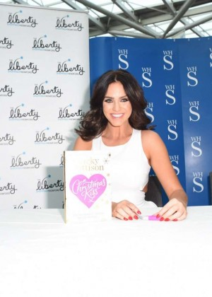 Vicky Pattison: A Christmas Kiss book signig-17