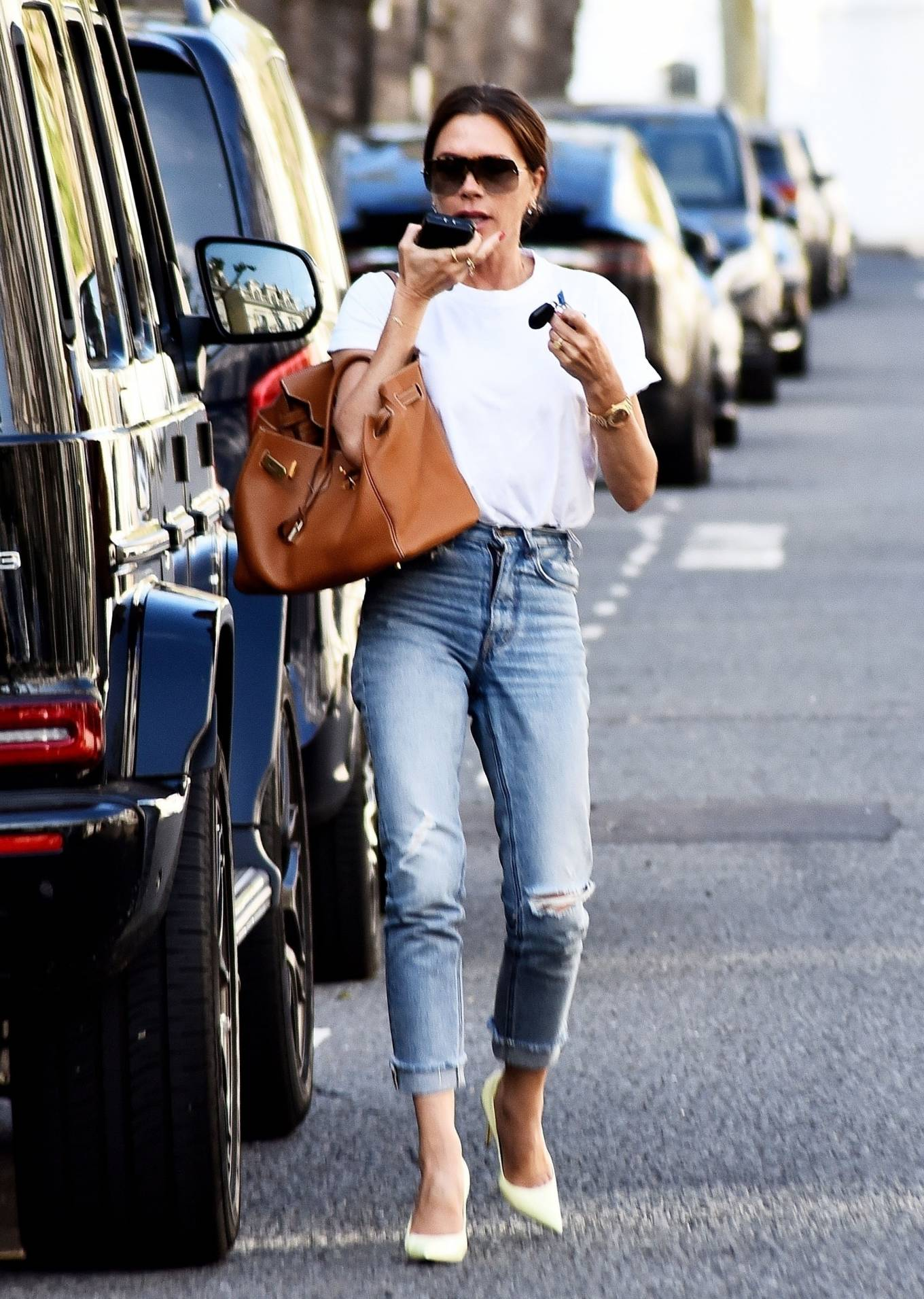 Victoria Beckham 2021 : Victoria Beckham – Dons casual style while out in London-01
