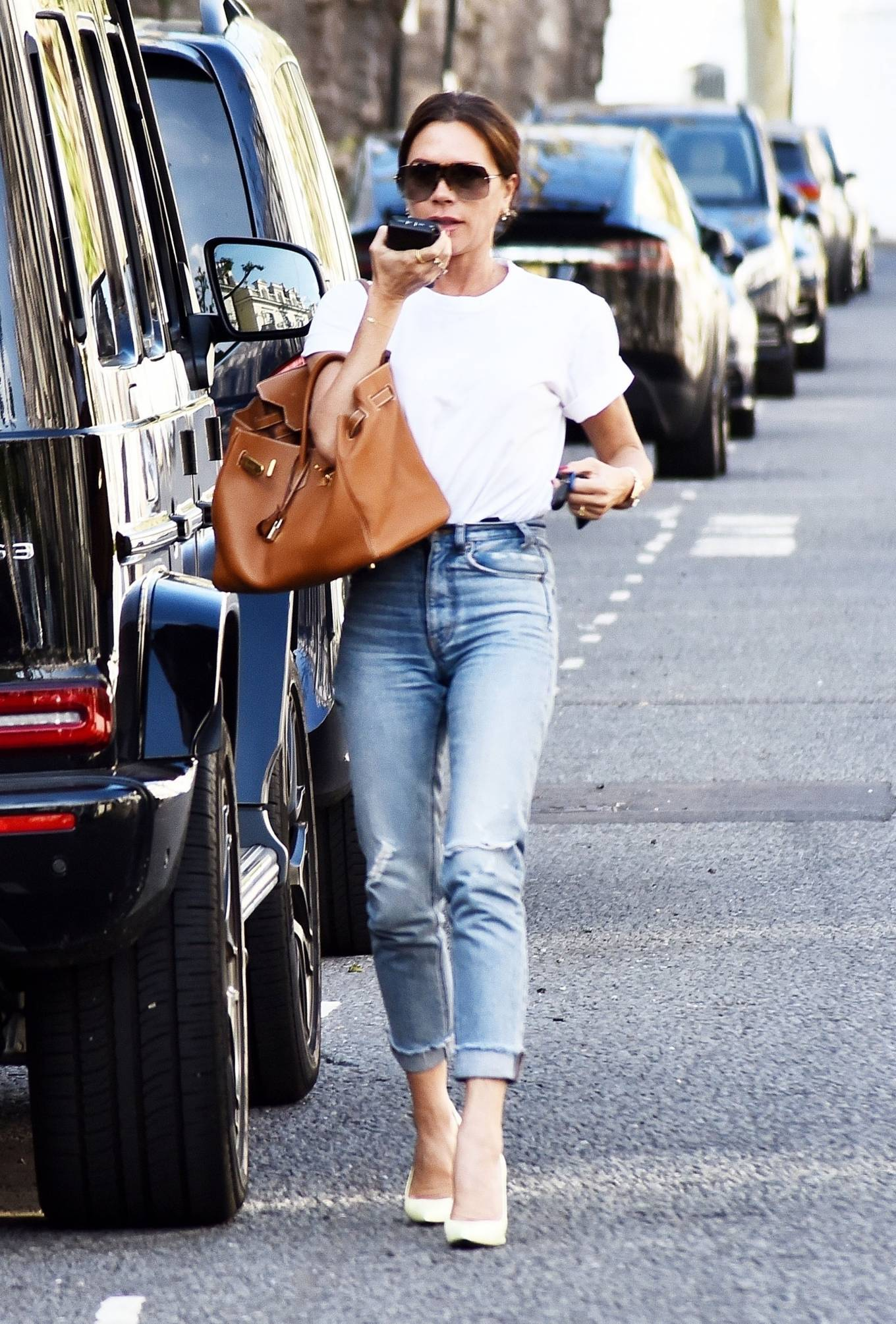 Victoria Beckham 2021 : Victoria Beckham – Dons casual style while out in London-07