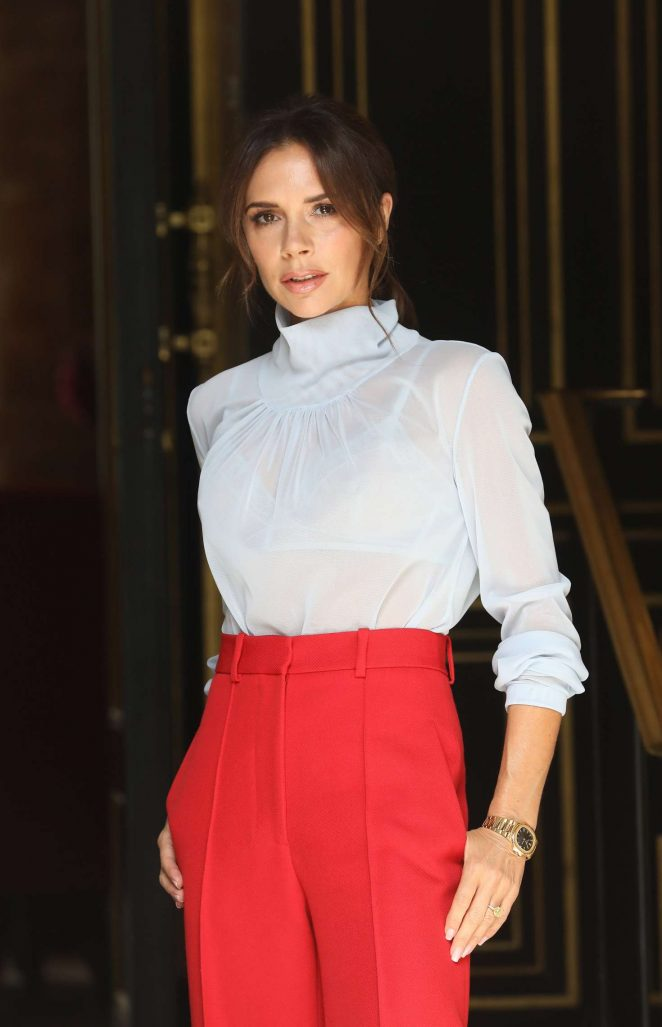 Victoria Beckham - Leaving her hotel in Paris