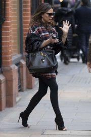 Victoria Beckham - Leaving Tom Davies opticians in Chelsea
