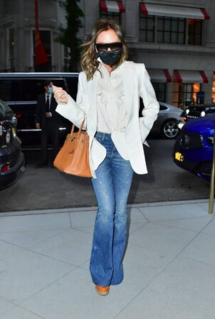 Victoria Beckham - Spotted leaving The Mark Hotel in New York