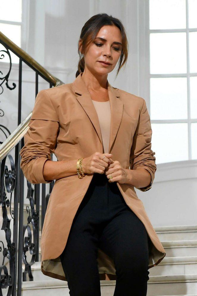 Victoria Beckham - Victoria Beckham SS 2019 Show in London