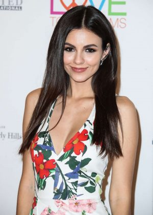 Victoria Justice - 2018 Race to Erase MS Gala in Los Angeles