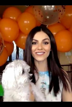 Victoria Justice - 2020 Nickelodeon Kids Choice Awards